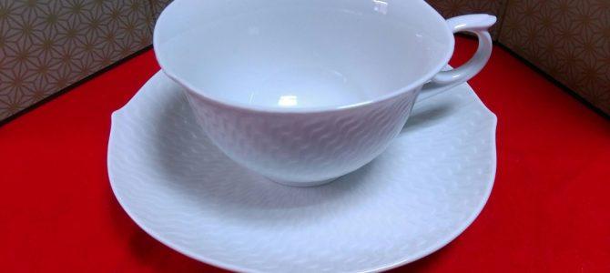 マイセンコーヒーカップ…色合いを楽しめます