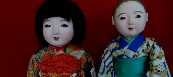 姉弟みたい!…女の子と男の子の市松人形