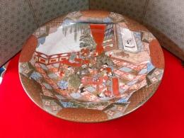 細かく細かく手のこんだ九谷のお皿、明治位