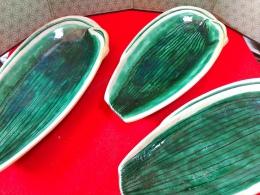 登り窯で焼かれた九谷焼…笹の葉のお皿