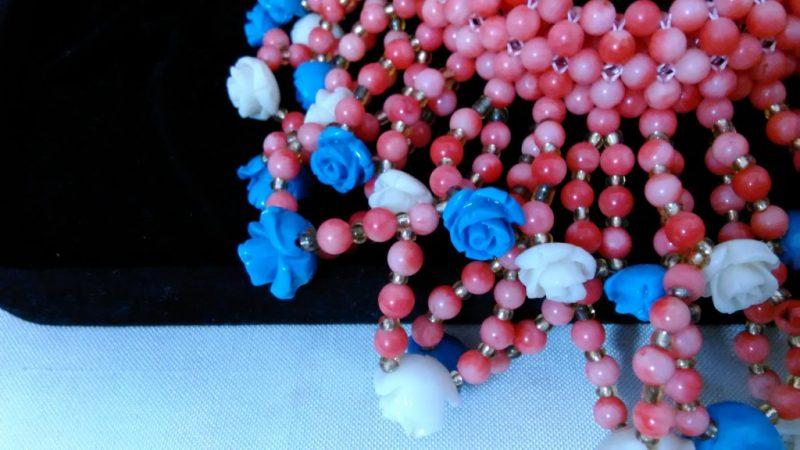 珊瑚のネックレス