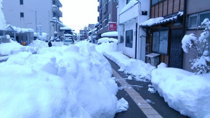 2018金沢豪雪みやの前