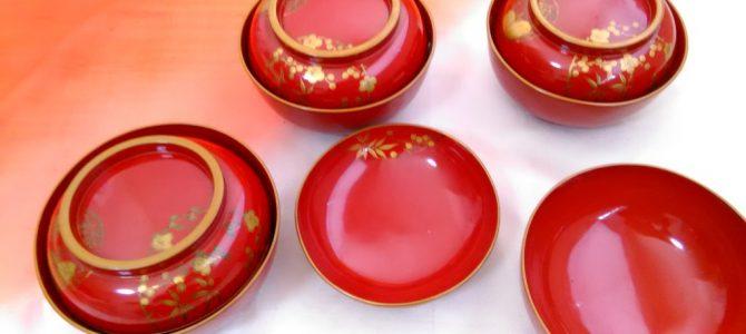 アイスも映える!…赤の蒔絵の菓子椀