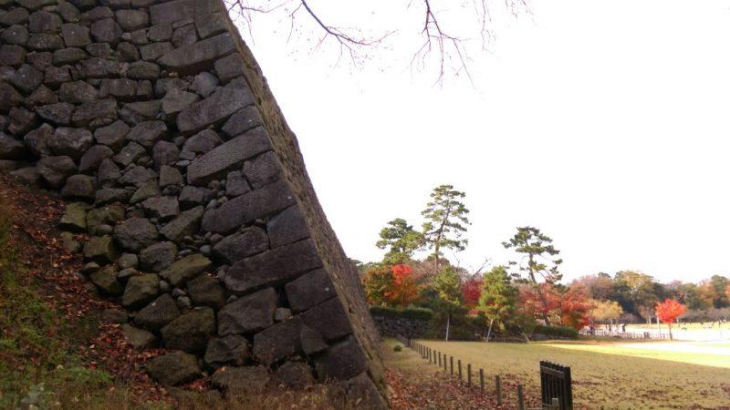 金沢城紅葉