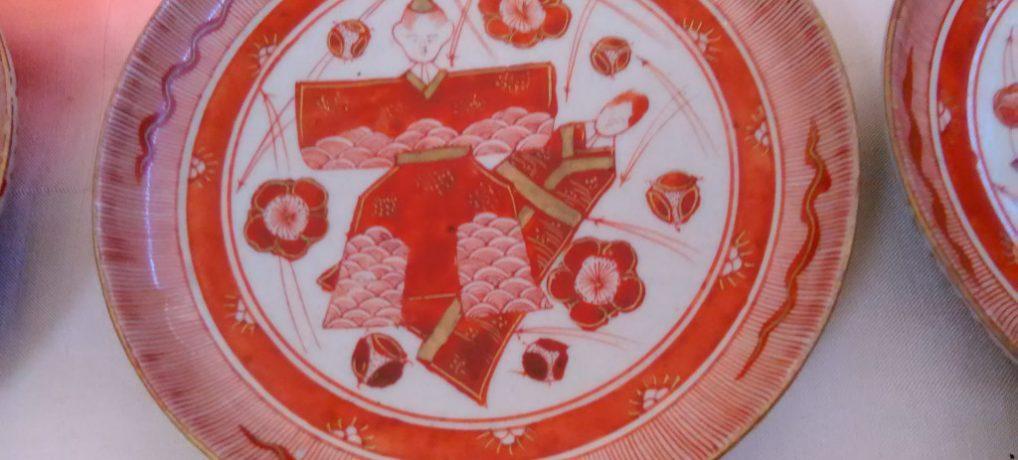 九谷焼赤絵、ちょっと珍しお雛様小皿
