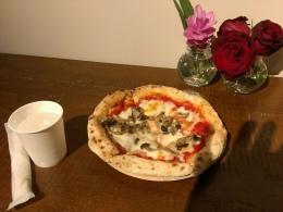 八百萬本舗ピザ