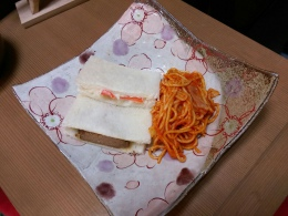 お手製サンドイッチ