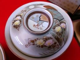 大正九谷の蓋茶碗