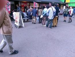秋の日曜近江町市場